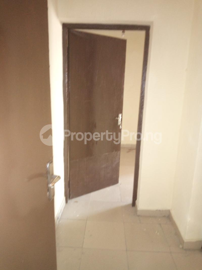 3 bedroom Flat / Apartment for rent DIPO OLUBI  OFF ODUDUWAU , SURULERE Kilo-Marsha Surulere Lagos - 8