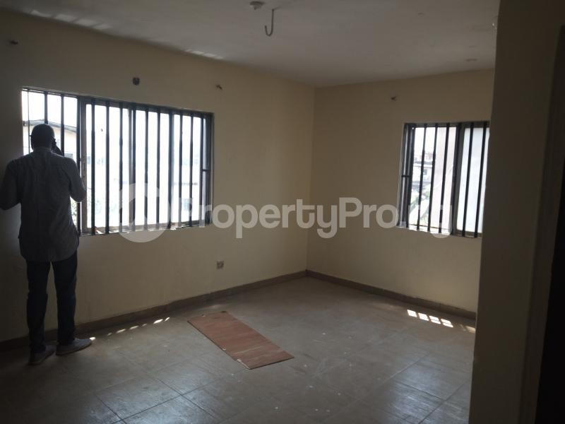3 bedroom Flat / Apartment for rent DIPO OLUBI  OFF ODUDUWAU , SURULERE Kilo-Marsha Surulere Lagos - 12