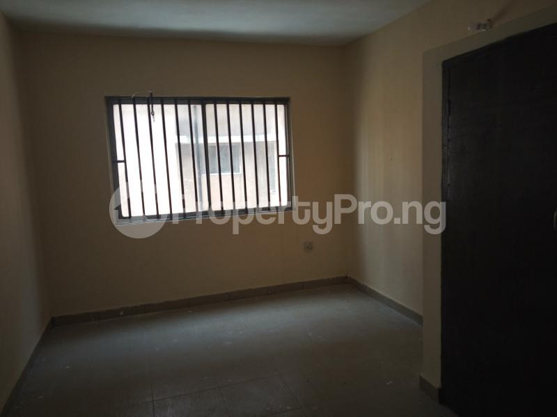 3 bedroom Flat / Apartment for rent DIPO OLUBI  OFF ODUDUWAU , SURULERE Kilo-Marsha Surulere Lagos - 2