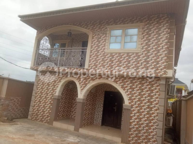 5 bedroom Detached Duplex House for sale Ipaja road Ipaja Ipaja Lagos - 11