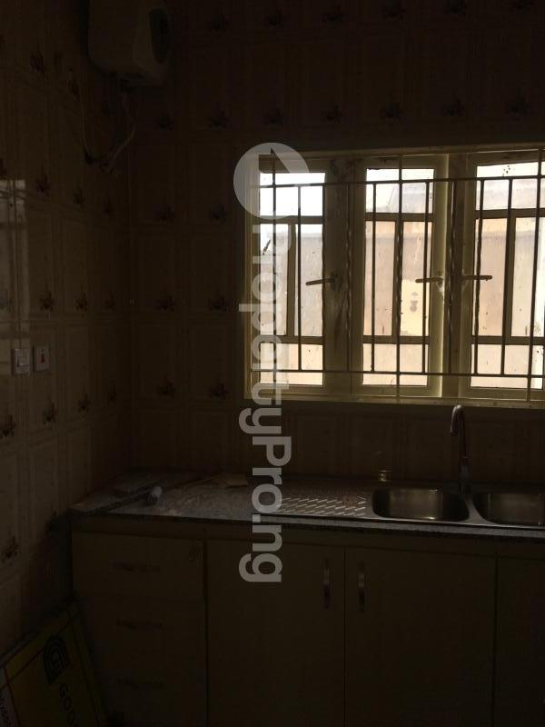 2 bedroom Blocks of Flats House for rent Kolapo ishola gra  Akobo Ibadan Oyo - 1