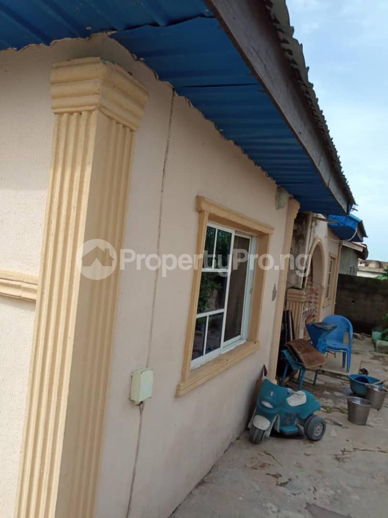 3 bedroom Detached Bungalow House for sale emanuel hospital capital hotel Oshogbo Osogbo Osun - 2