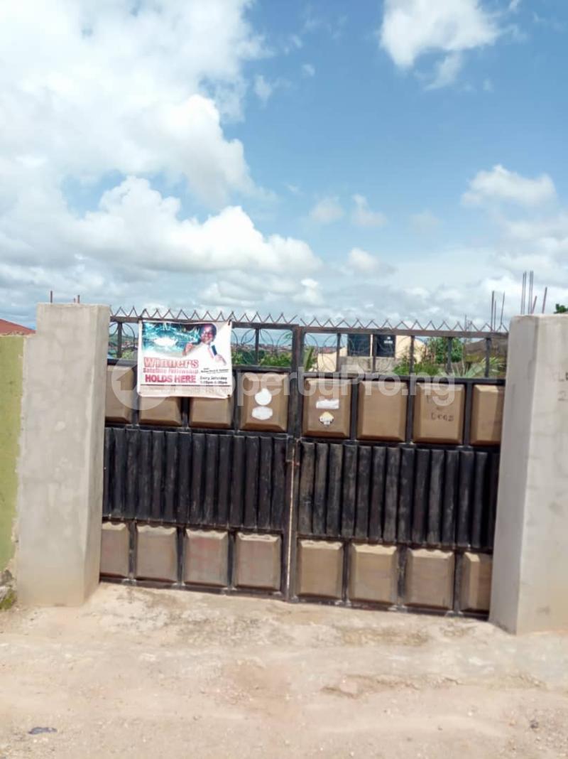 3 bedroom Detached Bungalow House for sale emanuel hospital capital hotel Oshogbo Osogbo Osun - 4