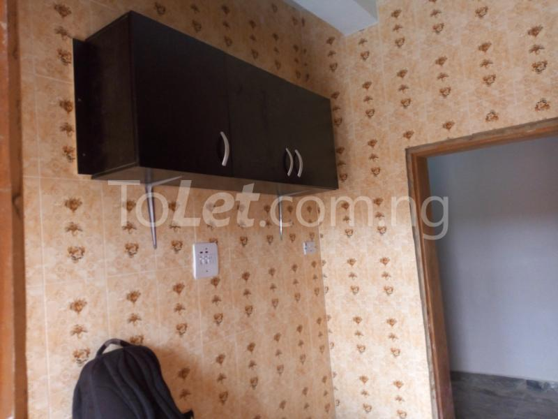 3 bedroom Flat / Apartment for rent - Shomolu Lagos - 7