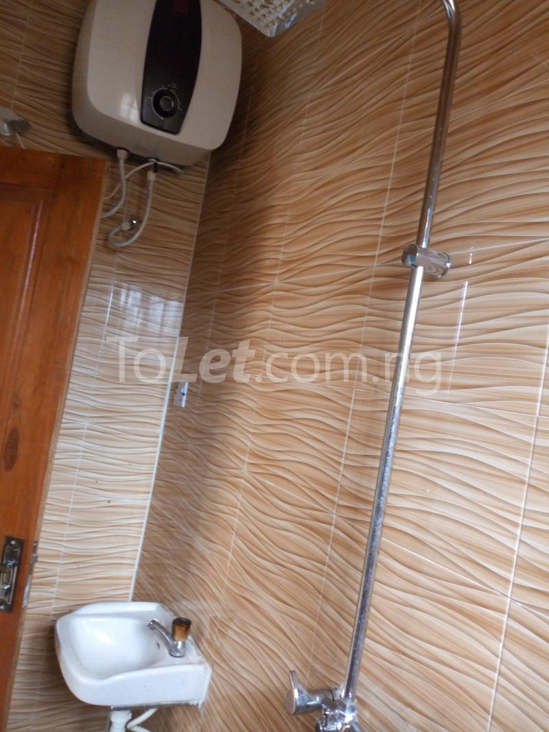 3 bedroom Flat / Apartment for rent - Shomolu Lagos - 11