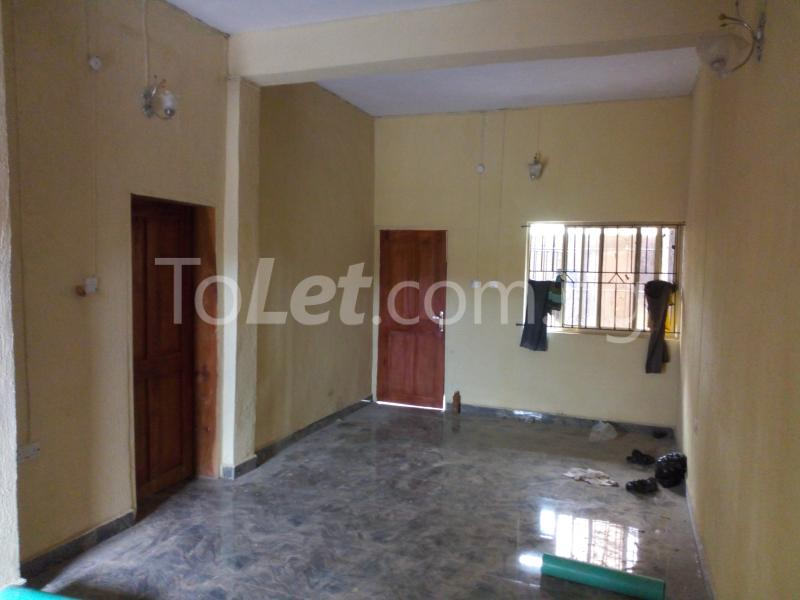 3 bedroom Flat / Apartment for rent - Shomolu Lagos - 2