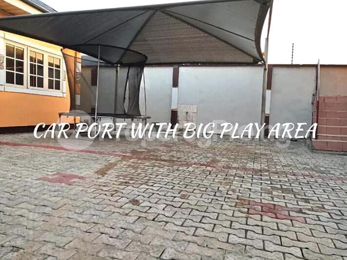4 bedroom Detached Bungalow House for sale Woji Port Harcourt Rivers - 1