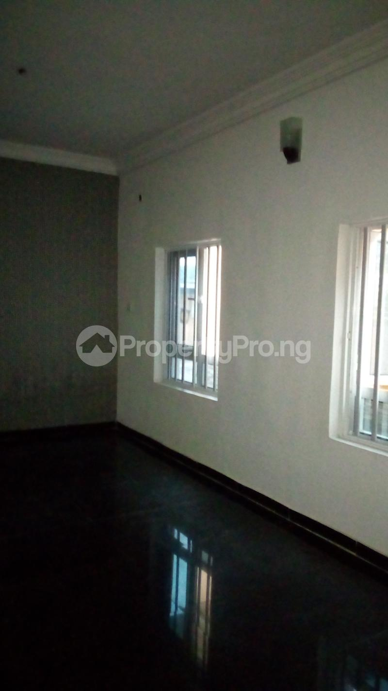 2 bedroom Flat / Apartment for rent Onireke off Mobil Road Ilaje Ajah Lagos - 11