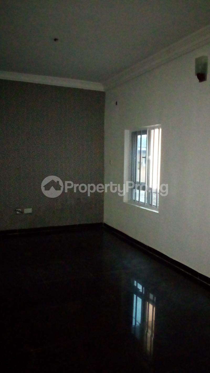 2 bedroom Flat / Apartment for rent Onireke off Mobil Road Ilaje Ajah Lagos - 12