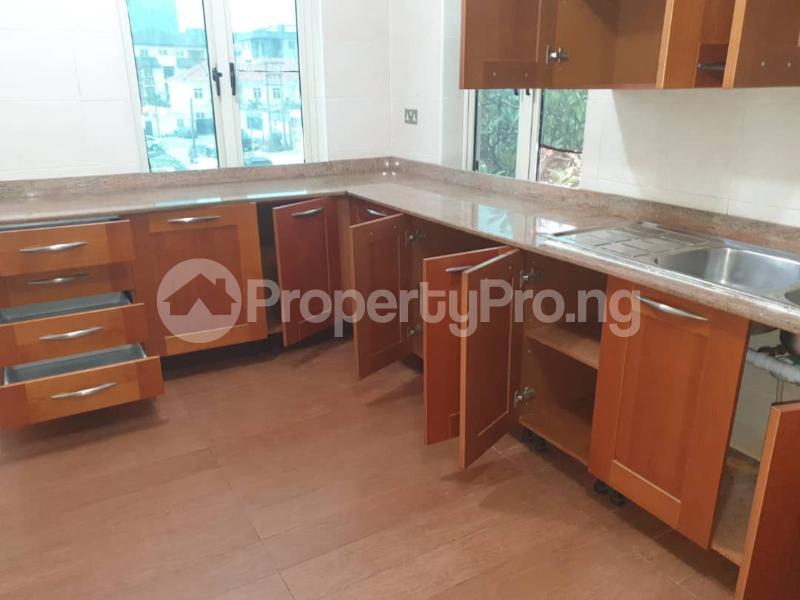2 bedroom Flat / Apartment for rent - ONIRU Victoria Island Lagos - 4