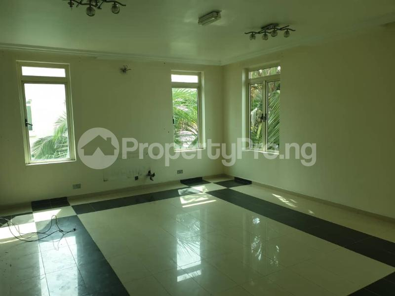 2 bedroom Flat / Apartment for rent - ONIRU Victoria Island Lagos - 10