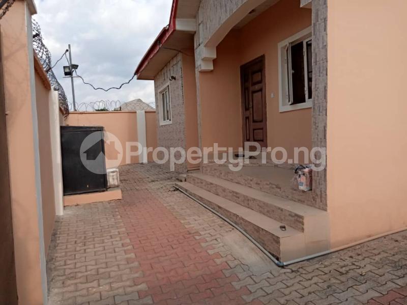 3 bedroom Blocks of Flats House for sale Kuola  Akala Express Ibadan Oyo - 7