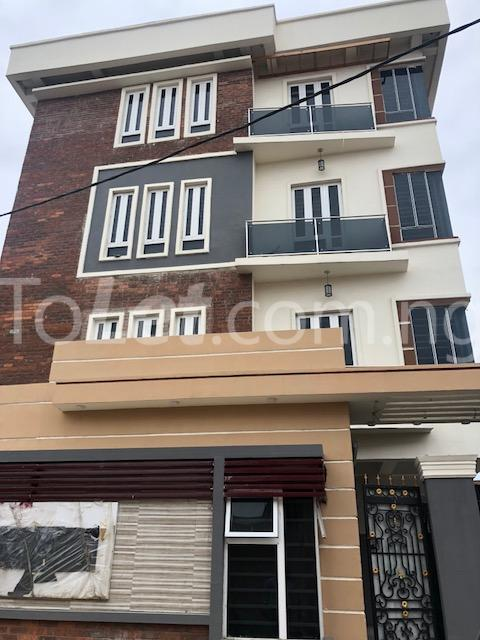3 bedroom Flat / Apartment for sale Alagomeji Axis Alagomeji Yaba Lagos - 14