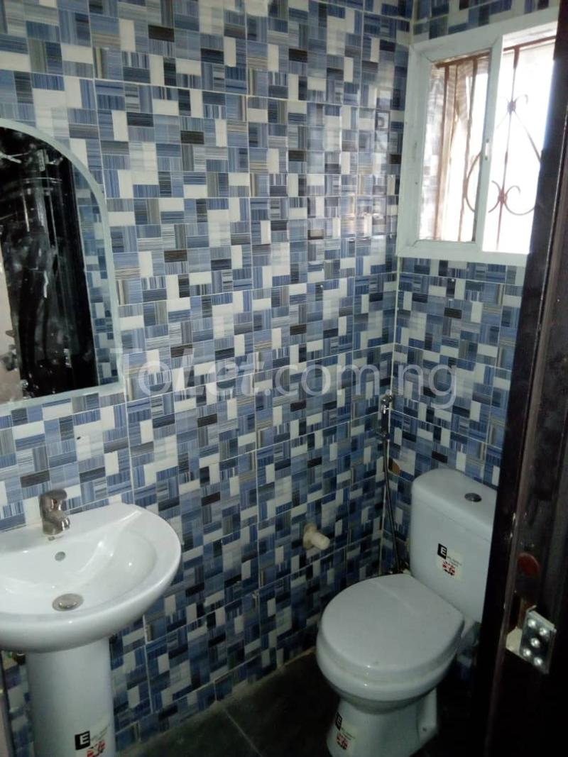 3 bedroom Flat / Apartment for rent Alagomeji Axis Alagomeji Yaba Lagos - 12