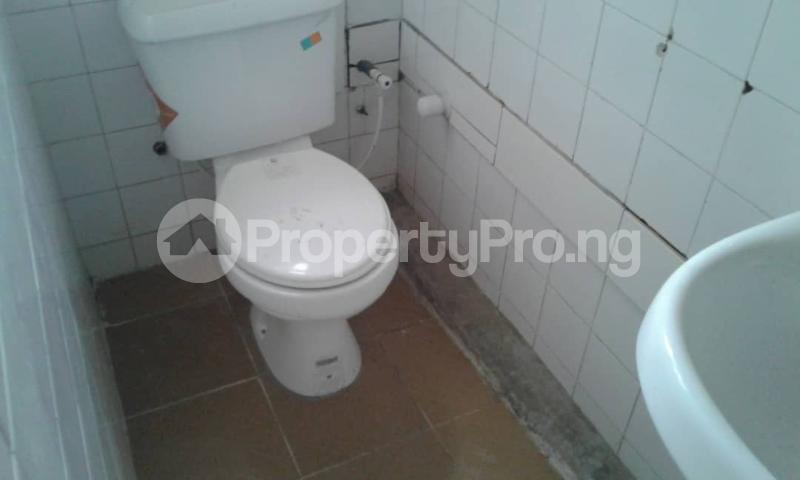 3 bedroom Flat / Apartment for rent olawaye  estate Omole phase 2 Ojodu Lagos - 3