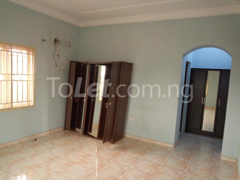 3 bedroom Flat / Apartment for rent Located at the back of American international school Durumi Abuja - 5