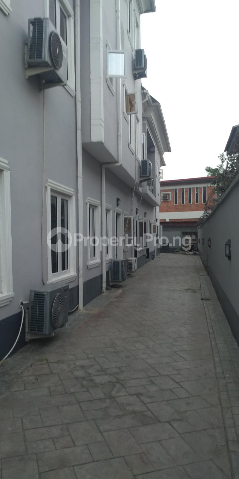 3 bedroom Flat / Apartment for rent mende Mende Maryland Lagos - 0