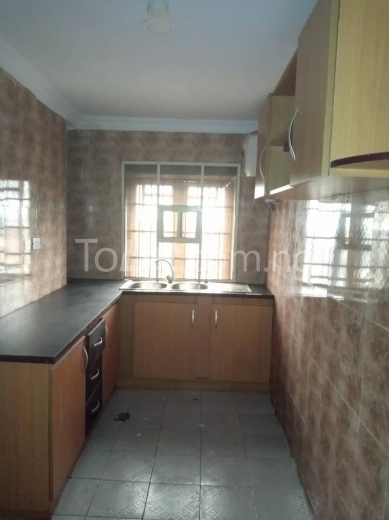 3 bedroom Flat / Apartment for rent Off Pedro Road Ladi-Lak  Bariga Shomolu Lagos - 3