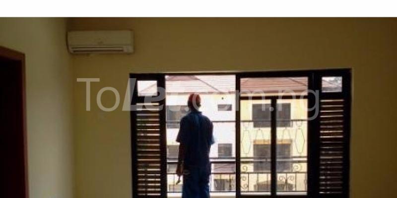 3 bedroom House for rent Oba Akinjobi Street,  Ikeja G.R.A Ikeja Lagos - 4