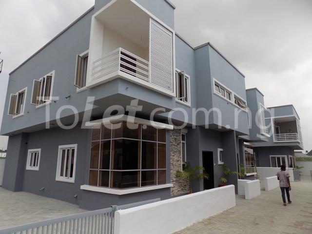 House for sale ldado estate before  Chevron Lagos - 1