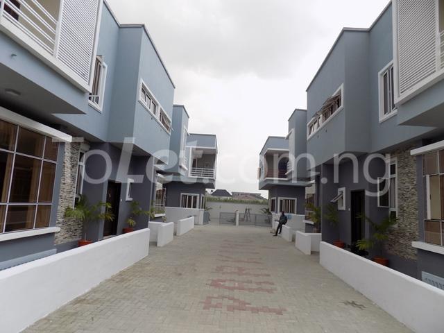 House for sale ldado estate before  Chevron Lagos - 9