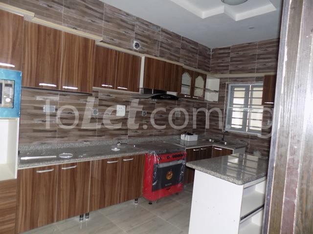 4 bedroom House for sale Orchild hotel road  chevron Lekki Lagos - 4