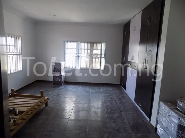 4 bedroom House for rent before nicon town estate Jakande Lekki Lagos - 9