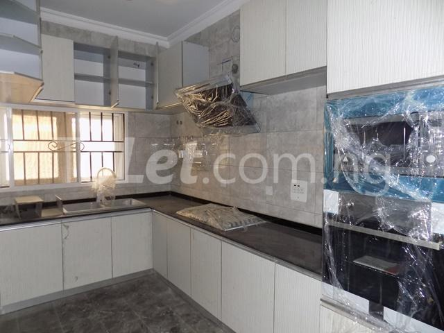 4 bedroom House for rent before nicon town estate Jakande Lekki Lagos - 6