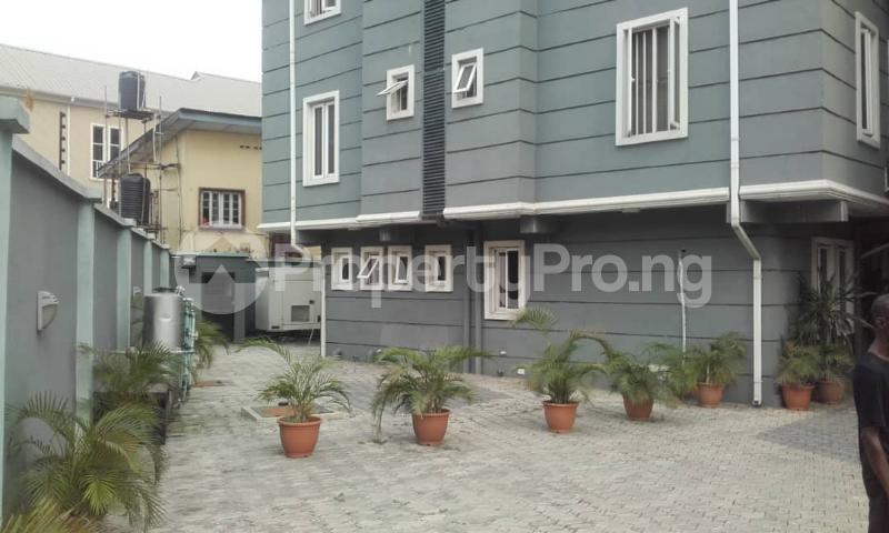 3 bedroom Blocks of Flats House for rent mende Mende Maryland Lagos - 10