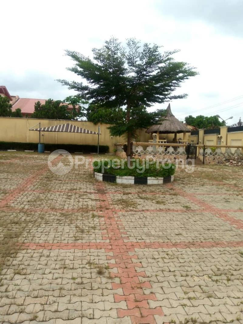 7 bedroom Massionette House for sale forestry Hill Jericho Ibadan Oyo - 4