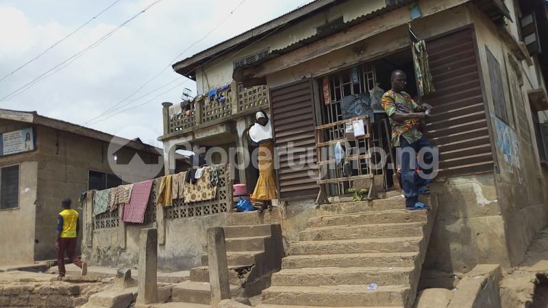 10 bedroom House for sale Agbadalugba along adeoyo hospital Adeoyo Ibadan Oyo - 1