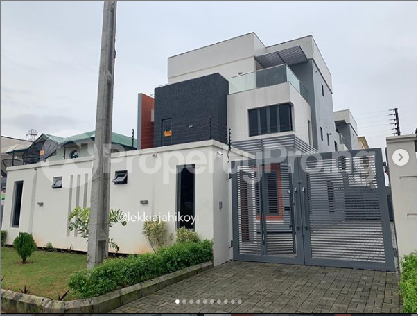 5 bedroom Detached Duplex House for sale Lekki Phase 1 Lekki