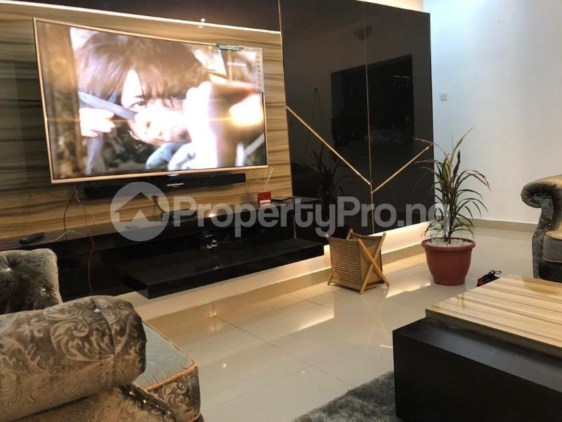 3 bedroom House for shortlet French Colony Estate Jakande Lekki Lagos - 0