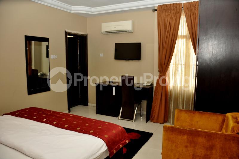 1 bedroom mini flat  Self Contain Flat / Apartment for shortlet 19 Ladipo Omotesho Cole Street, Lekki Phase 1 Lekki Lagos - 3