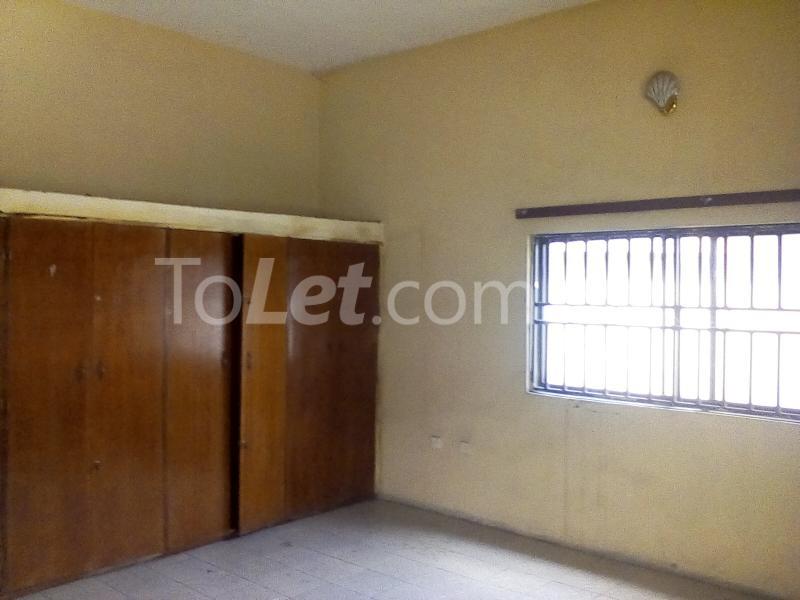 5 bedroom House for rent Elekeahia Housing Estate Obia-Akpor Port Harcourt Rivers - 3