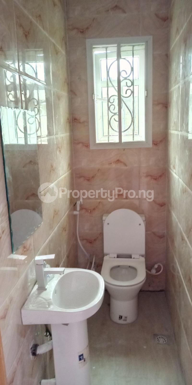 3 bedroom Blocks of Flats House for rent Wegbo st Onike Yaba Lagos - 7