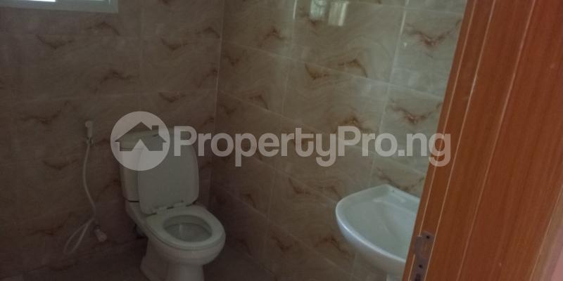 3 bedroom Blocks of Flats House for rent Wegbo st Onike Yaba Lagos - 4