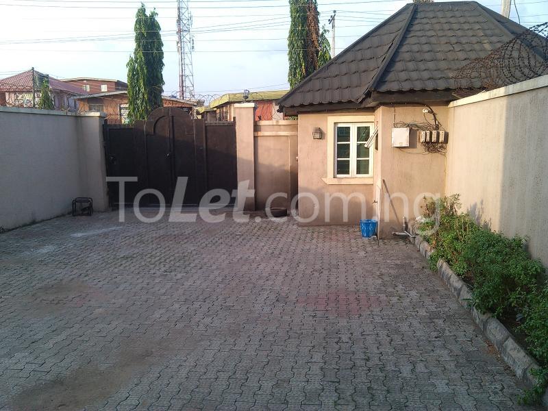 House for sale off alimosho road Iyana Ipaja Ipaja Lagos - 7