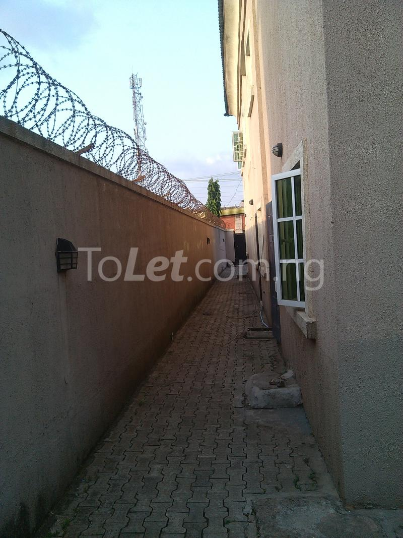 House for sale off alimosho road Iyana Ipaja Ipaja Lagos - 10