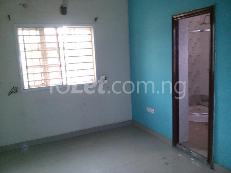 House for sale off alimosho road Iyana Ipaja Ipaja Lagos - 4