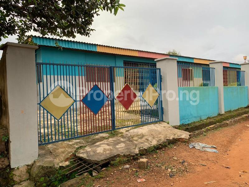 10 bedroom Detached Bungalow House for sale  No 1 kolawole close, off winners way ashi area very close to Basorun market bodija ibadan. Bodija Ibadan Oyo - 5