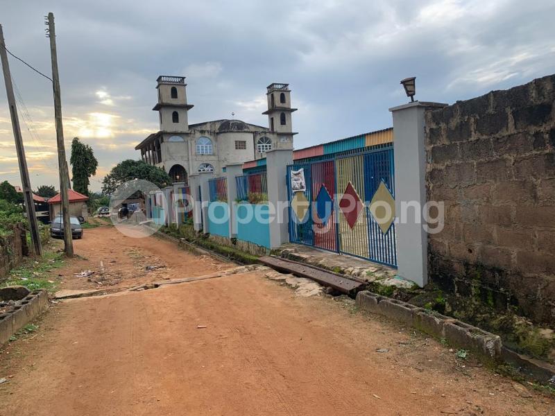 10 bedroom Detached Bungalow House for sale  No 1 kolawole close, off winners way ashi area very close to Basorun market bodija ibadan. Bodija Ibadan Oyo - 7