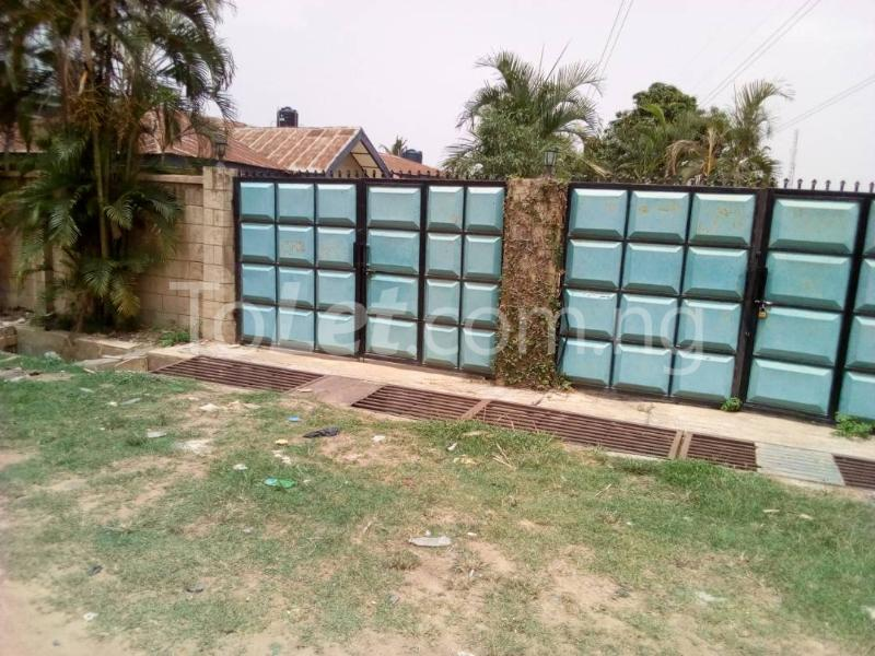 8 bedroom Flat / Apartment for sale Elephant gate, Oluyole estate Ibadan Oluyole Estate Ibadan Oyo - 4