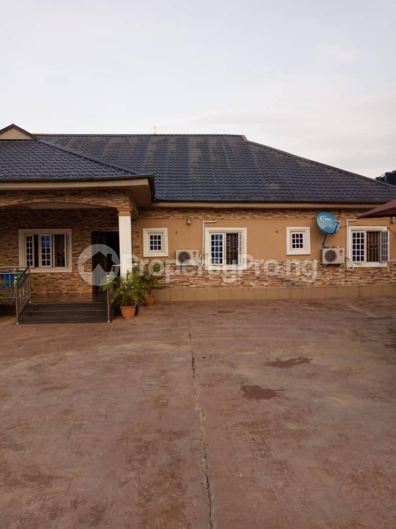 5 bedroom Detached Bungalow House for sale Aroun Tombia Round About Yenegoa Bayelsa - 3