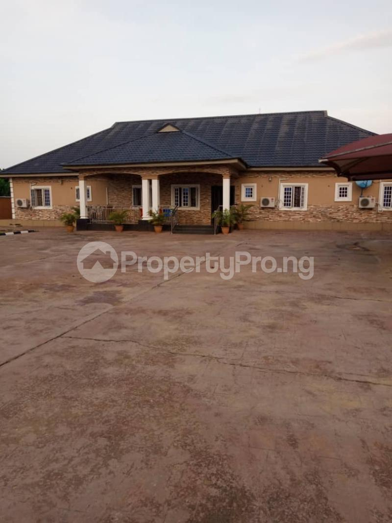 5 bedroom Detached Bungalow House for sale Aroun Tombia Round About Yenegoa Bayelsa - 7
