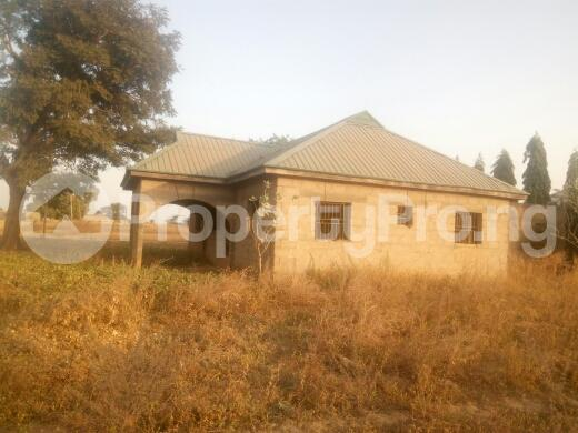 3 bedroom Flat / Apartment for sale oil village,mahuta, Kaduna South Kaduna - 1