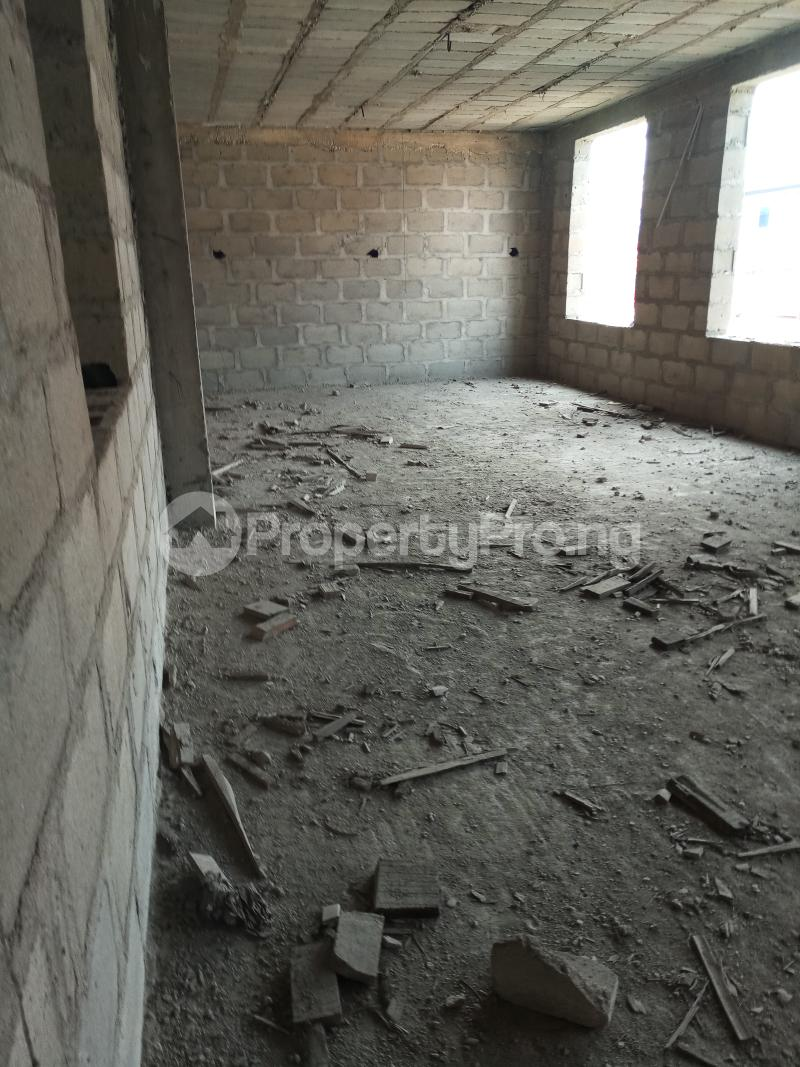 4 bedroom Blocks of Flats House for sale Jimmy oladenide Ifako-gbagada Gbagada Lagos - 3