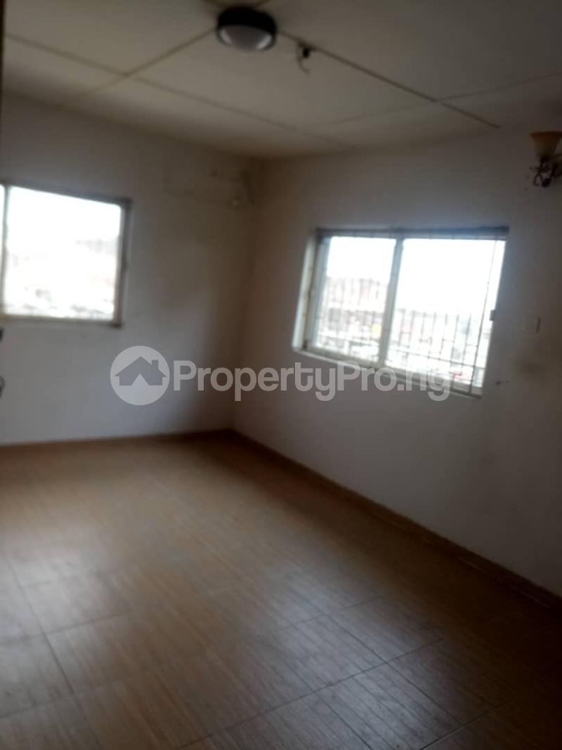 3 bedroom Flat / Apartment for rent Fola Agoro Yaba Lagos - 5