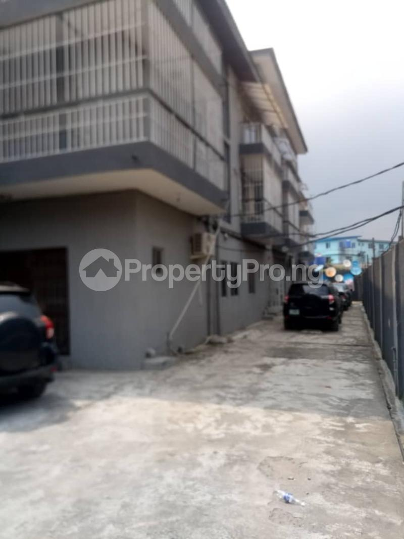 3 bedroom Flat / Apartment for rent Fola Agoro Yaba Lagos - 2