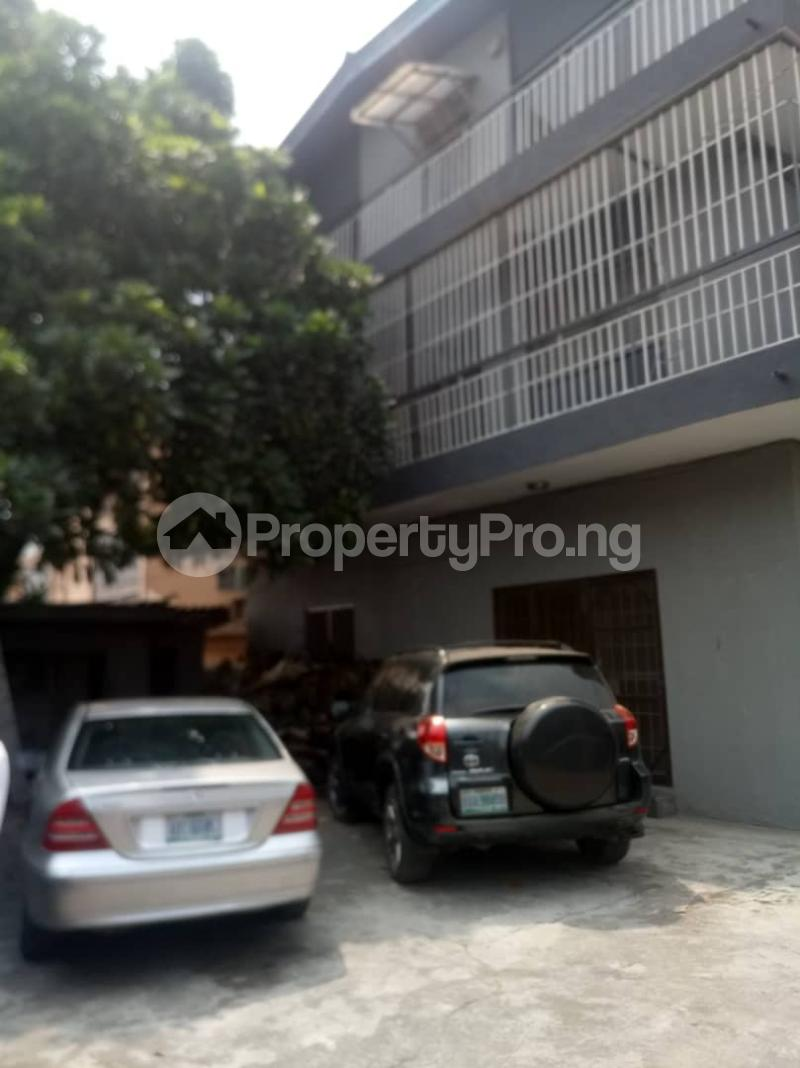 3 bedroom Flat / Apartment for rent Fola Agoro Yaba Lagos - 1